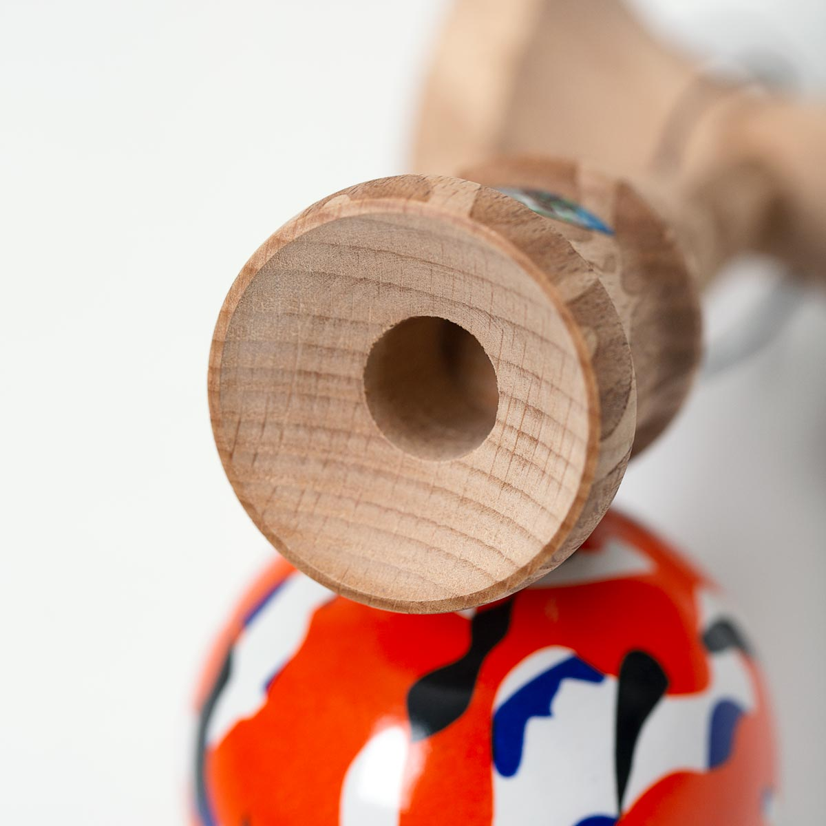 KROM KAMO Orange kendama