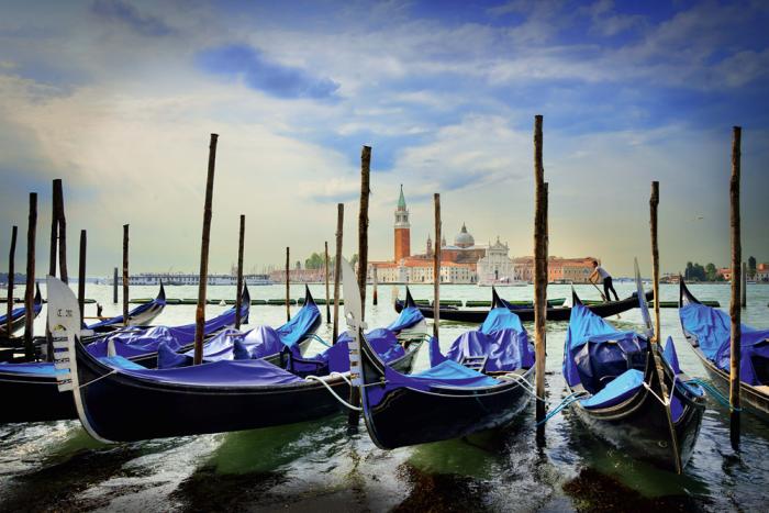 Pusle Gondolas at St. Marc's Square, Venice, 1000